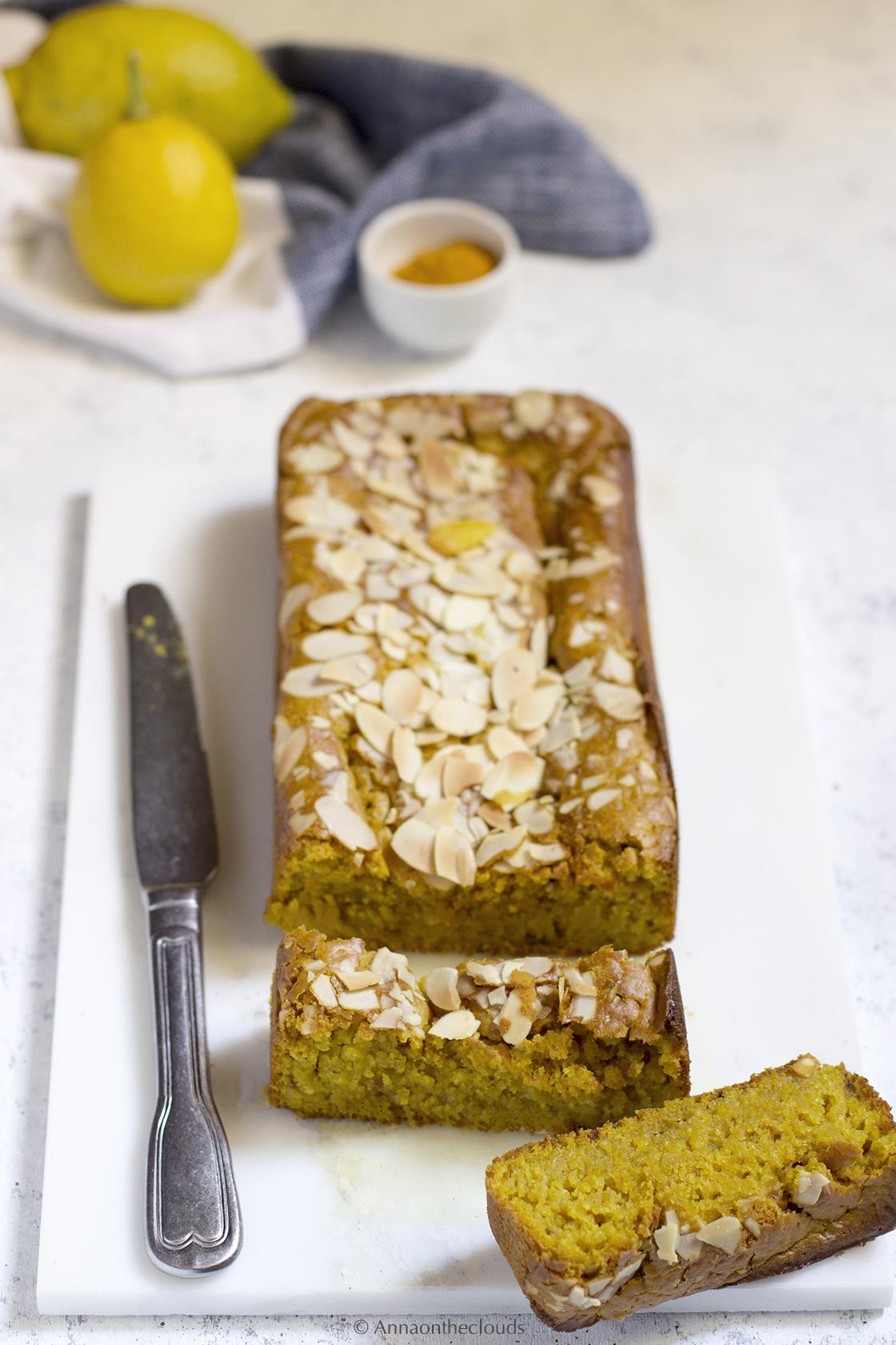 Plumcake al limone, curcuma e mandorle (vegano)
