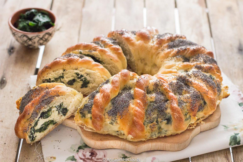 Girella di pan brioche salata agli spinaci