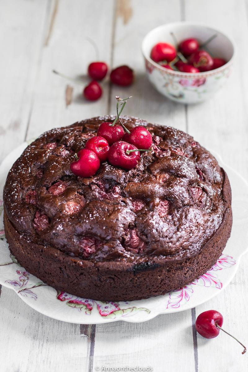 Torta soffice ciliegie e cioccolato (senza burro)