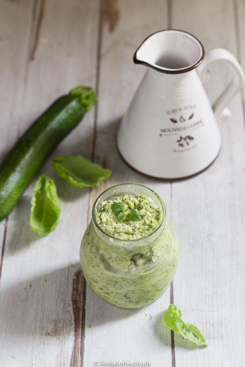 Pesto di zucchine – ricetta con zucchine crude