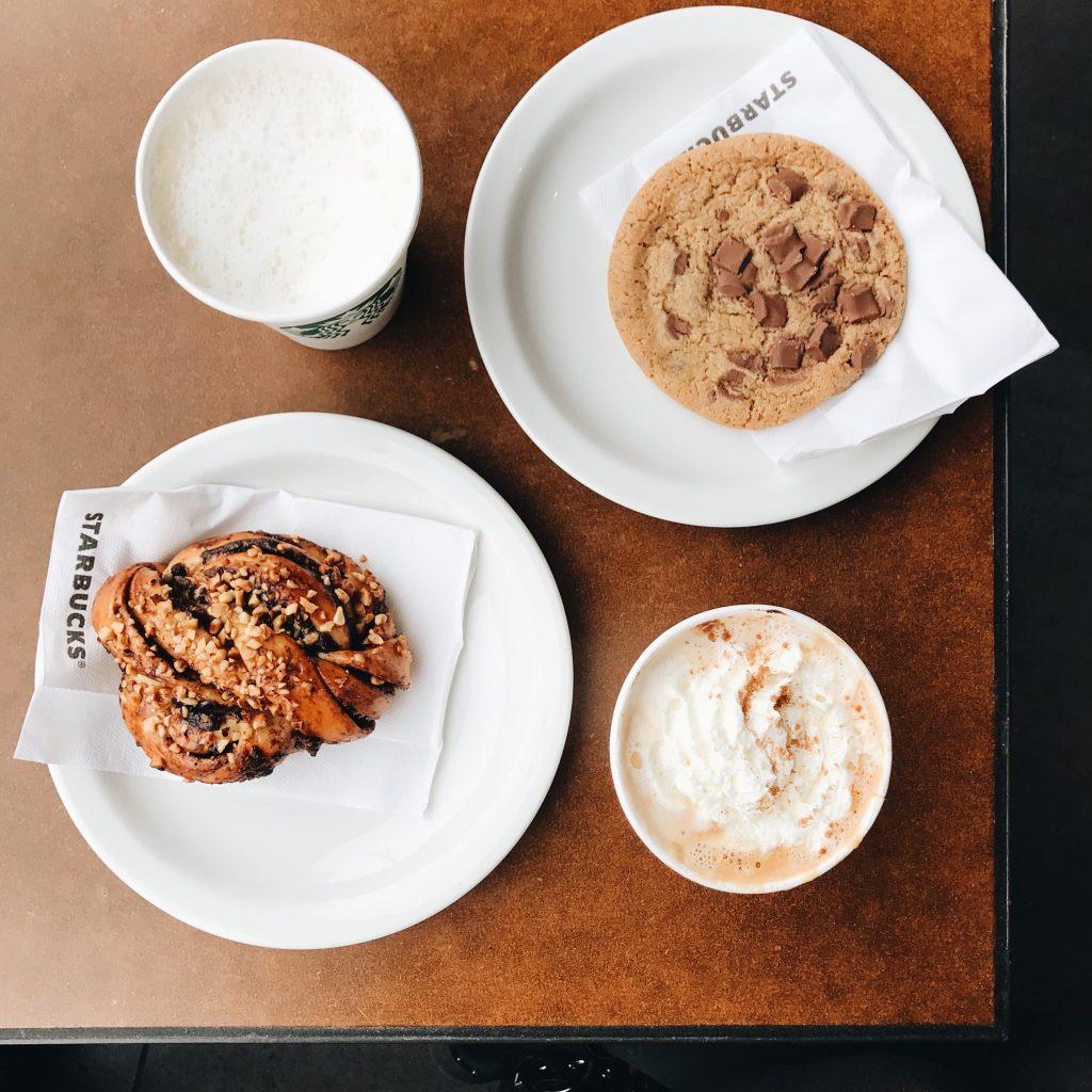 caffè e bagel datati