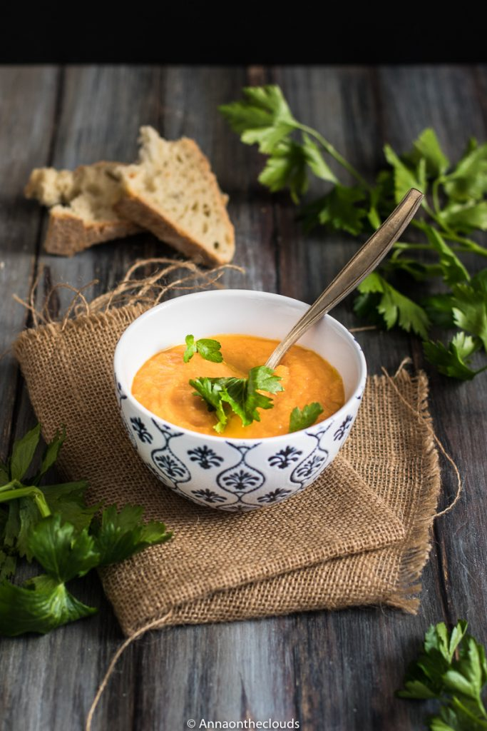 Vellutata di zucca e carote (ricetta veloce)