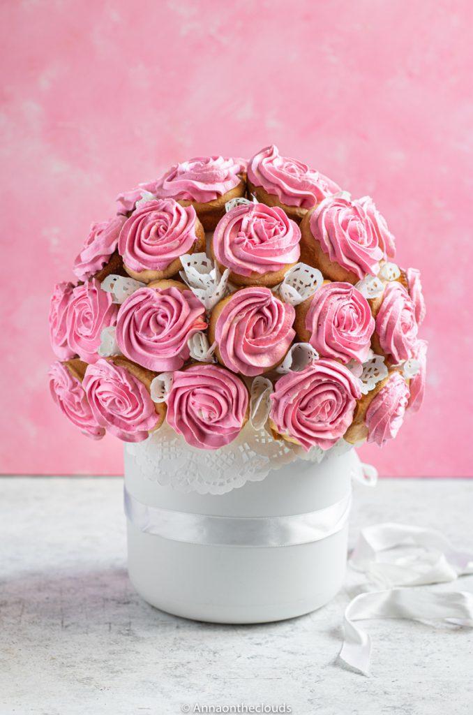 Il Piu Bel Mazzo Di Fiori.Bouquet Di Cupcake Rose Ricetta Con Tutorial Anna On The Clouds