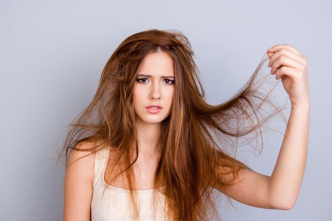 Come disintossicare i capelli dai siliconi
