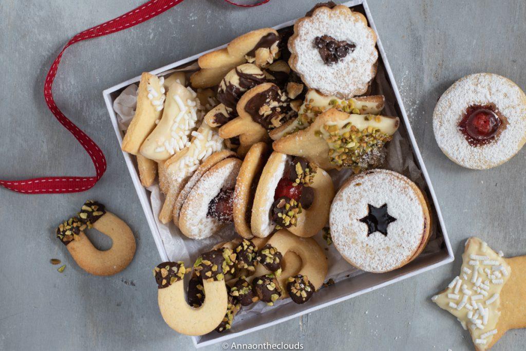 Scatola Latta Biscotti Natale.Biscotti Di Pasta Frolla Senza Burro Ricetta Perfetta Anna On The Clouds