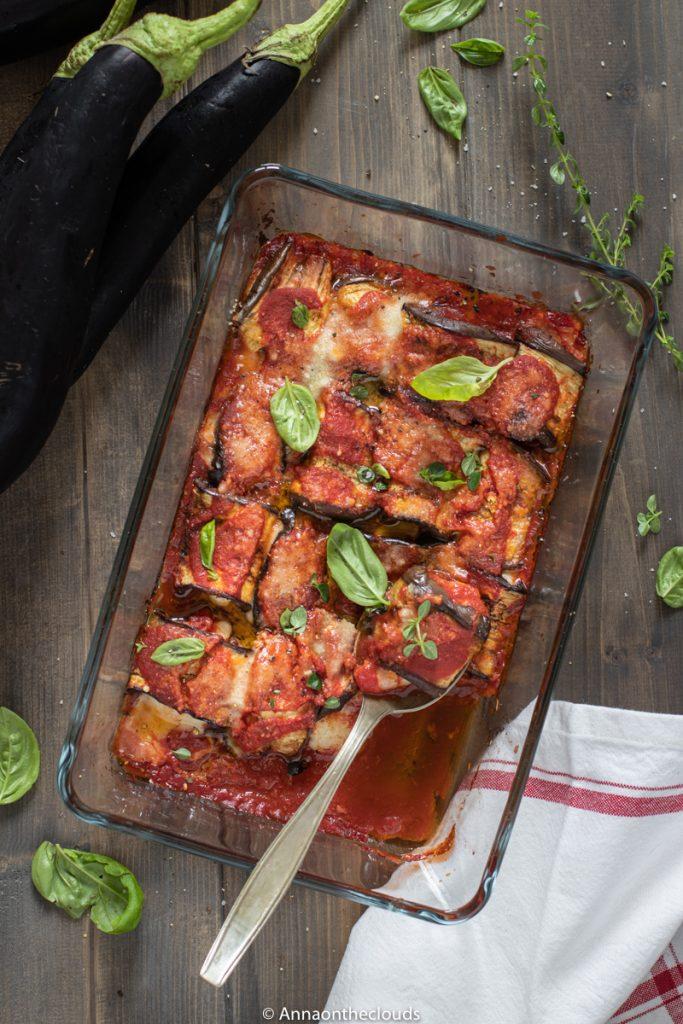 Rotolini di melanzane al forno: con mozzarella