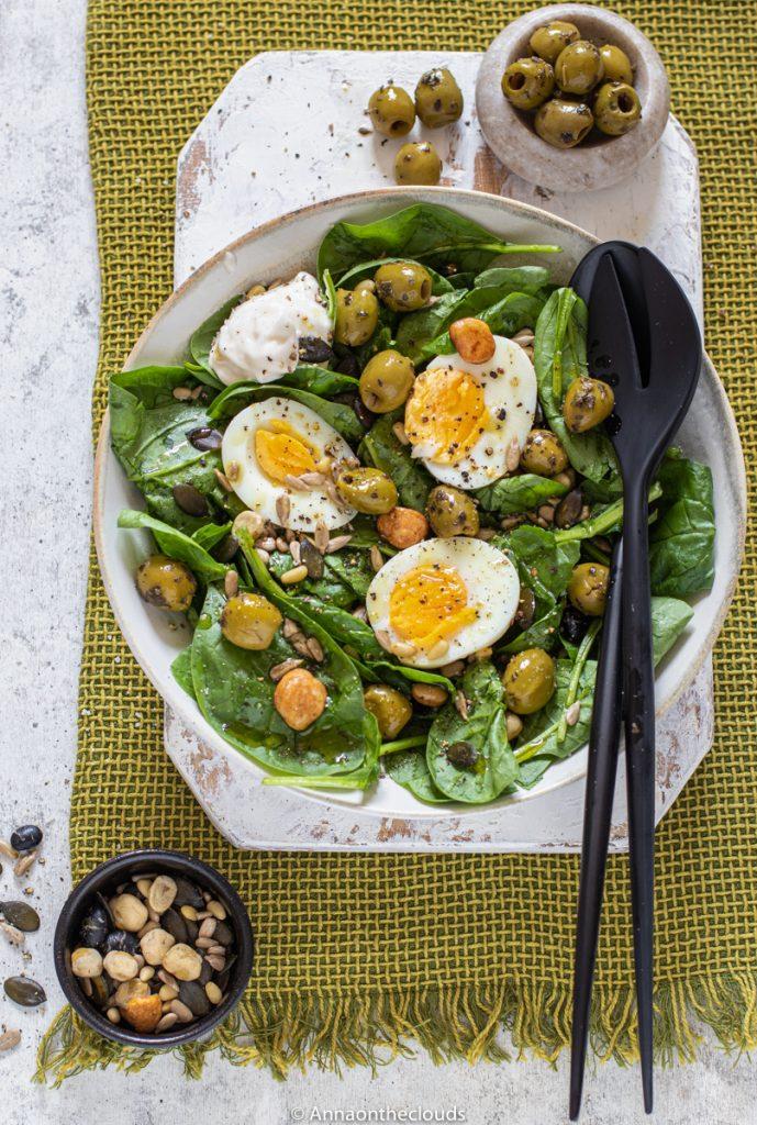 Insalata di spinaci e uova: ricetta estiva