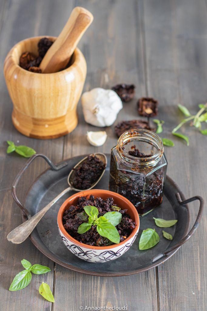 Pesto di pomodori secchi (capuliato siciliano)