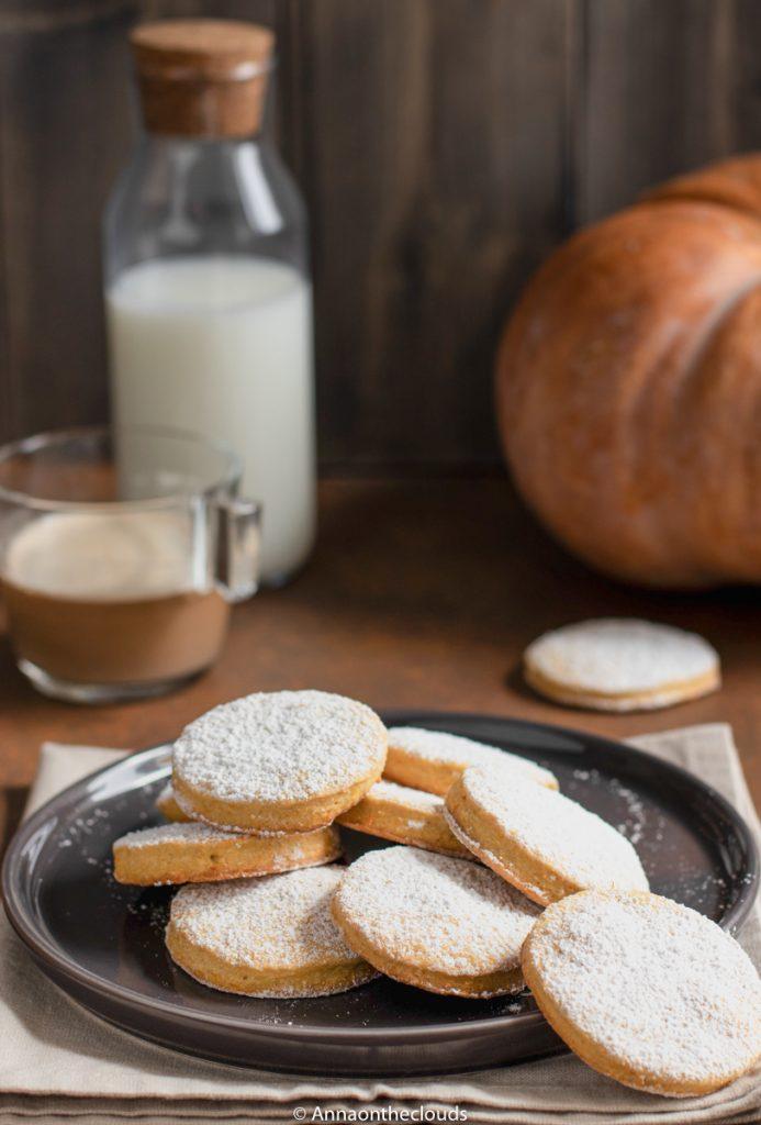 Biscotti alla zucca: morbidi e profumati