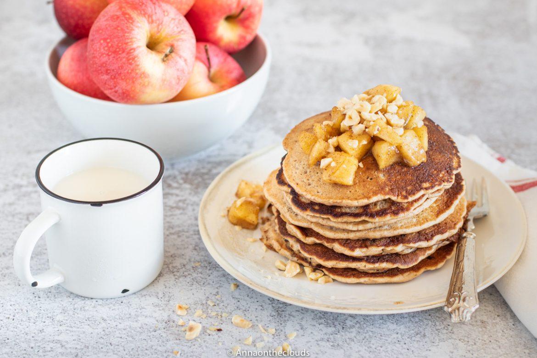 Pancake alle mele - ricetta light e vegana
